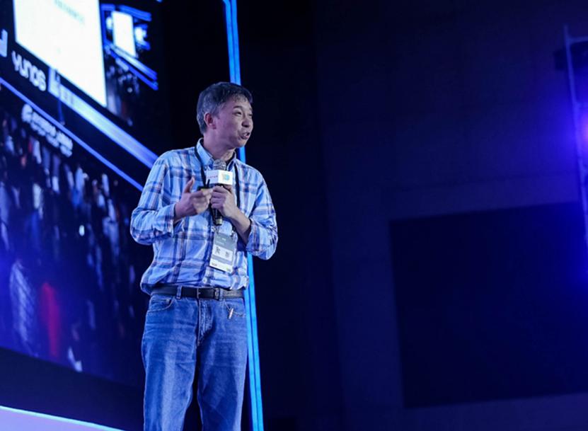 新闻主稿:全新系统架构YunOS 6发布,软硬整合开启产业新时代 2-448.png