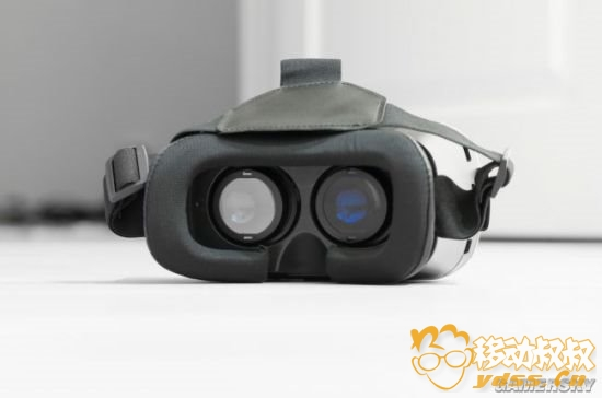 俄男子玩VR时摔倒划伤致死:或为首例VR相关死亡案例