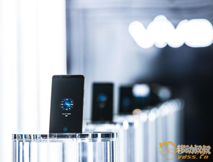【新闻稿】世界第一量产 vivo X20Plus屏幕指纹版正式发布 2-722.png